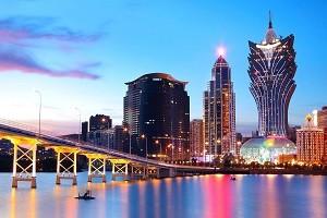 Asia_Macau_drop_in_income